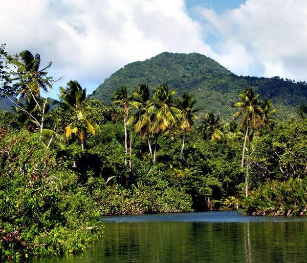 Доминика – остров нетронутой природы.