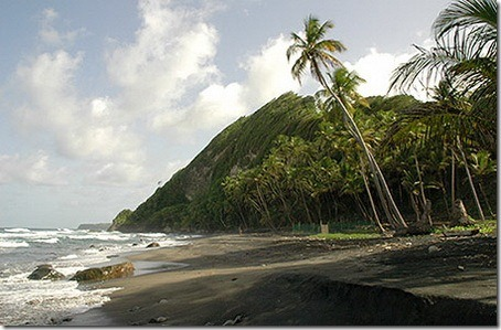 Доминика - остров нетронутой природы.