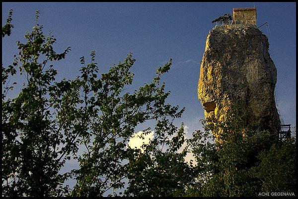 Кацхи - храм на скале