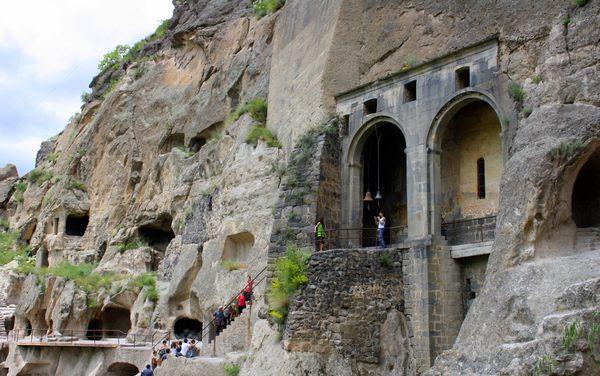 Вардзия - пещерный город