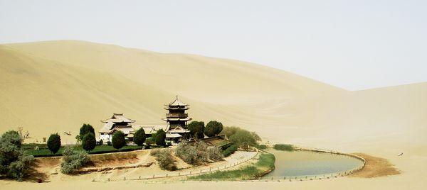 озеро Юэяцюань: высыхающий полумесяц...