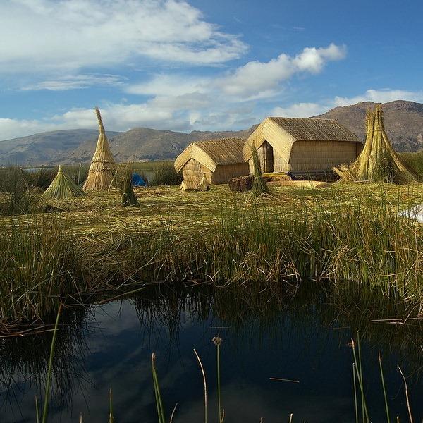 Плавучие острова племени Урос