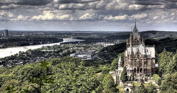 Замок Драхенбург (нем. Schloss Drachenburg)
