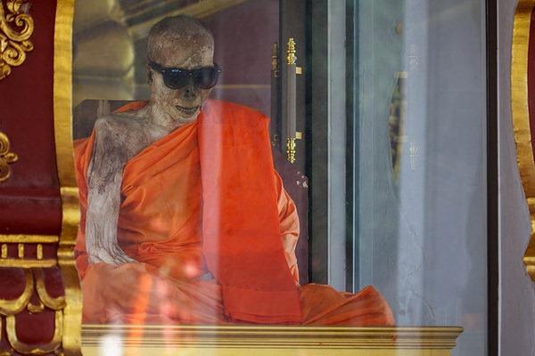 Wat Khunaram: Мумифицированный монах на Самуи Мумифицированный монах на Самуи Мумифицированный монах на Самуи 12518623303 07c5ea8577 z