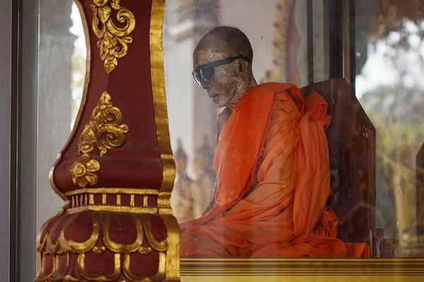 Wat Khunaram: Мумифицированный монах на Самуи Мумифицированный монах на Самуи Мумифицированный монах на Самуи 12518626233 e8a536ff7b z